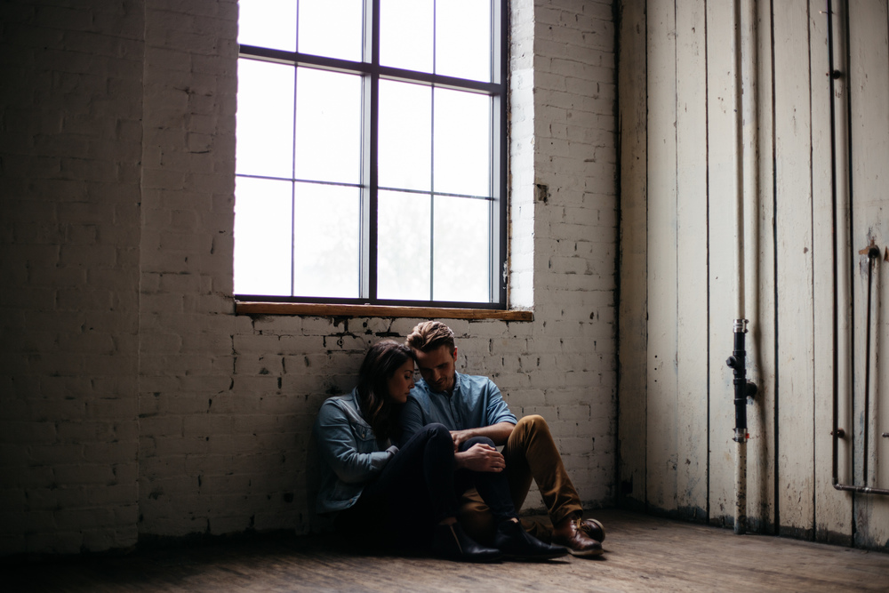 old-warehouse-engagement-session-photo-by-britt-dezeeuw-brainerd-minnesota-photographer