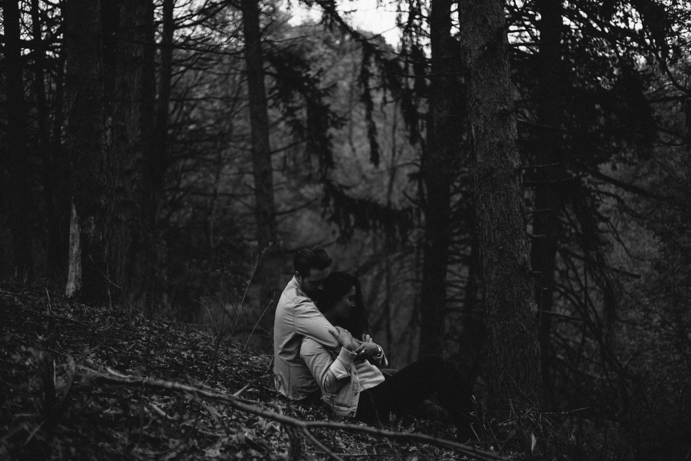 dramatic-engagement-session-in-the-woods-photo-by-britt-dezeeuw-brainerd-minnesota-wedding-photographer