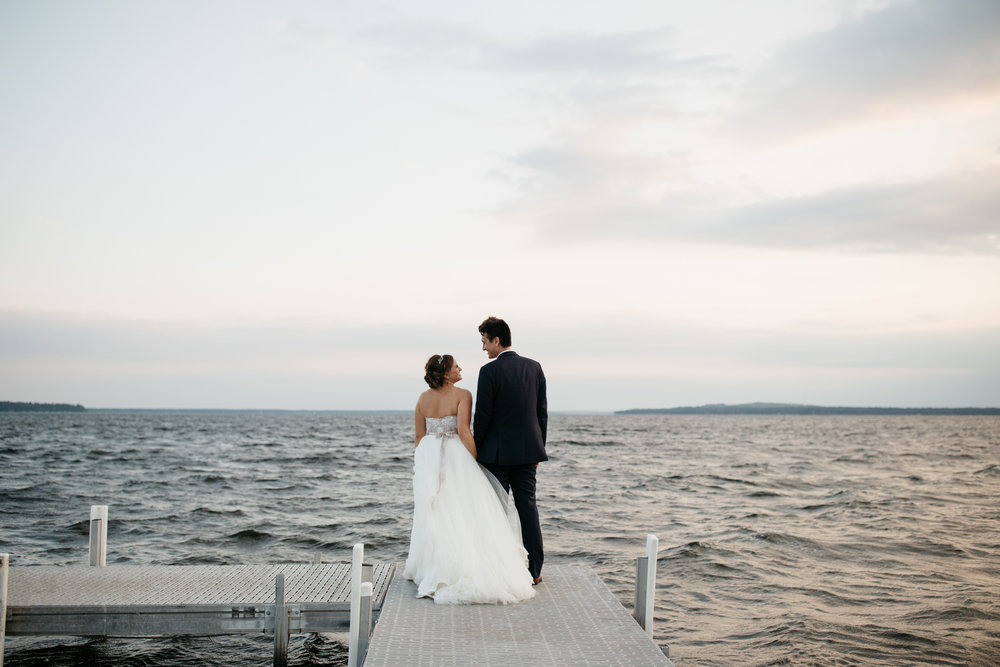 Documentary wedding photography by Britt DeZeeuw at Grand View Lodge
