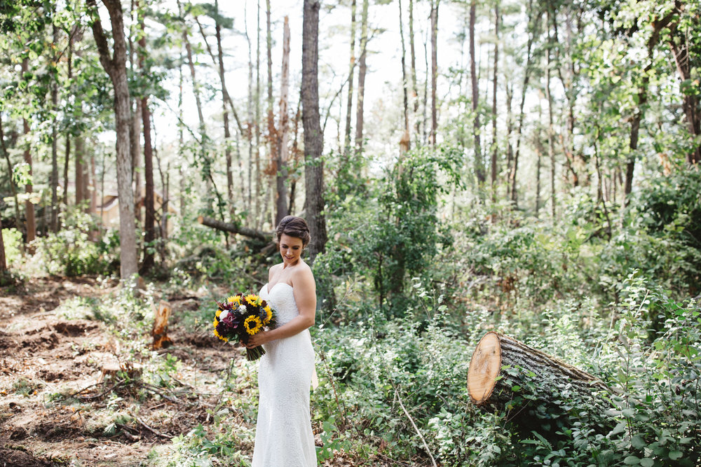 Modern wedding in the woods. Photography by Britt DeZeeuw, Grand View Lodge Nisswa Minnesota photographer