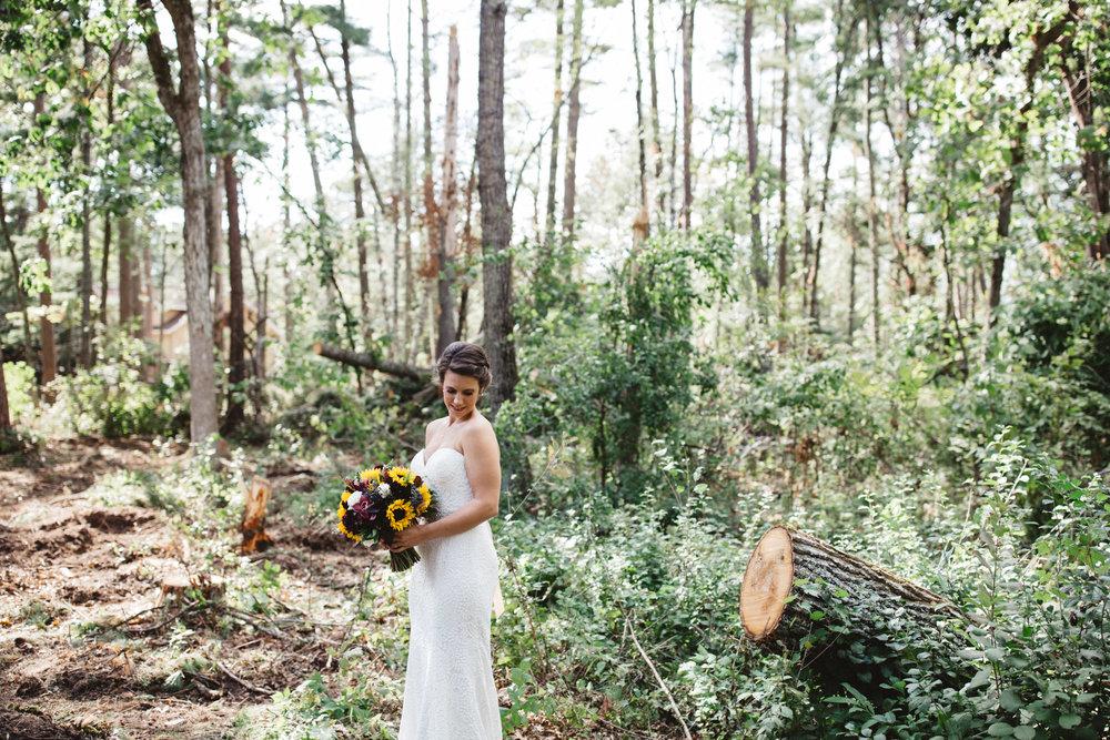 Modern wedding in the woods. Photography by Britt DeZeeuw, Grand View Lodge Nisswa Minnesota photographer