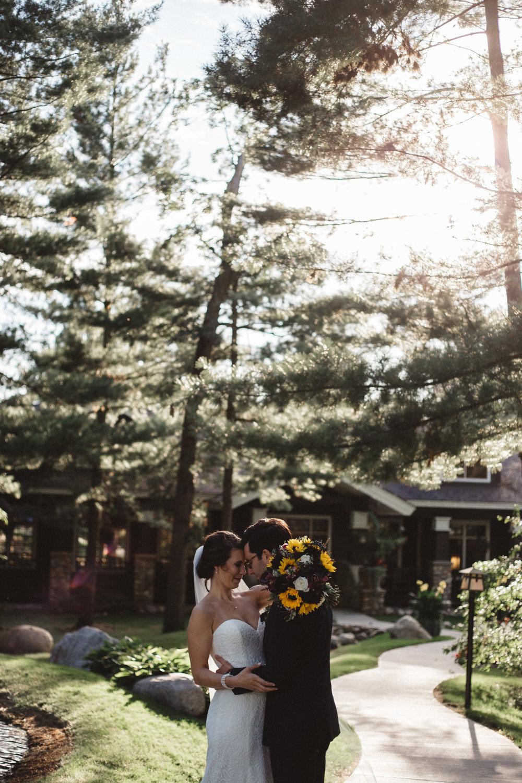 Golden hour at Grand View Lodge, wedding photography by Britt DeZeeuw
