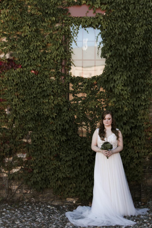 Modern bridal portrait. Photography by Britt DeZeeuw, NP Event Space wedding photographer.