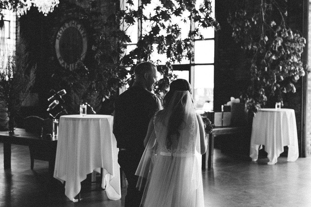 Journalistic wedding photography by Britt DeZeeuw, NP Event Space photographer