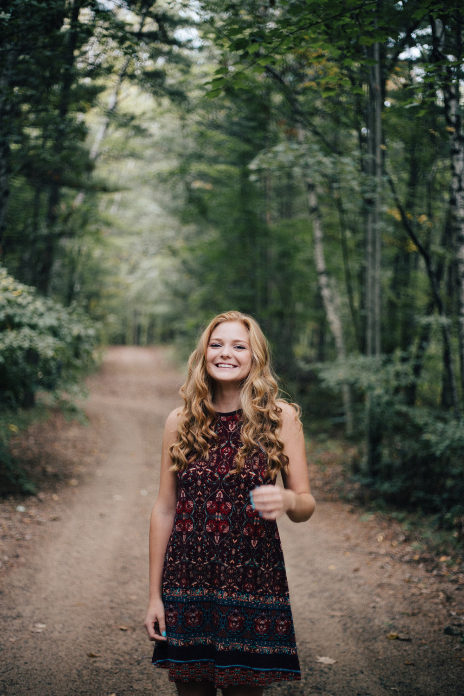 Natural and candid high school senior photography by Britt DeZeeuw, Brainerd Minnesota portrait photographer