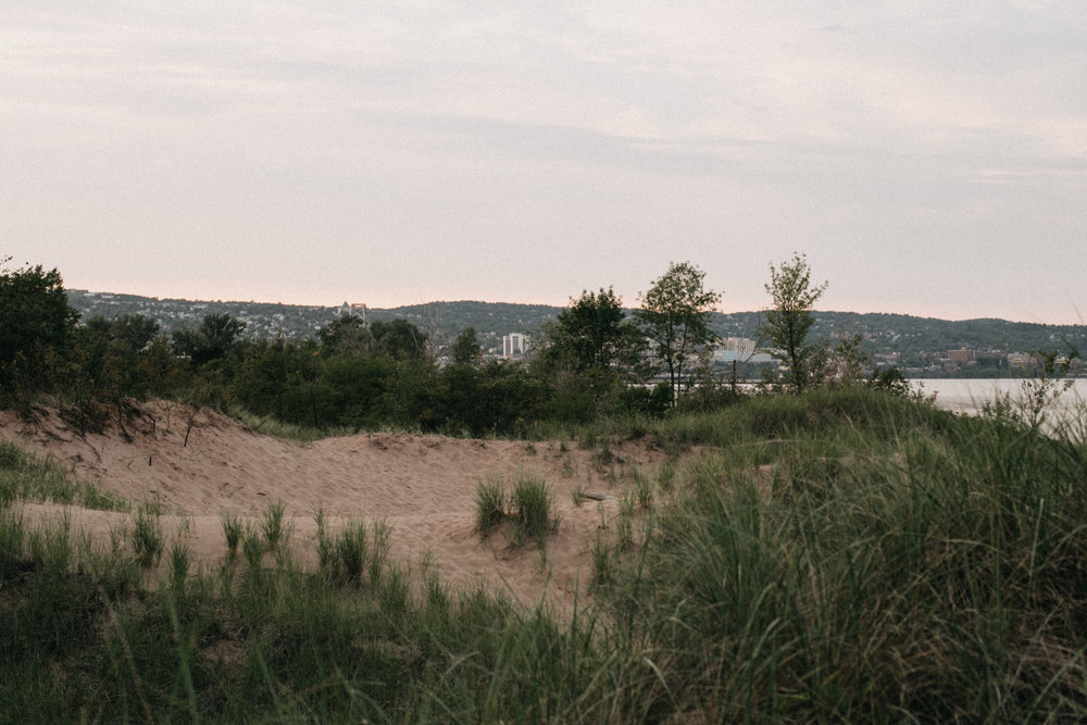 North shore beach engagement photography by Britt DeZeeuw