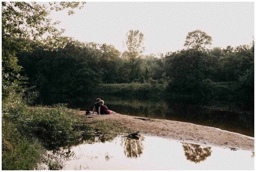 Romantic summer engagement session on the Rum River photographed by Britt DeZeeuw