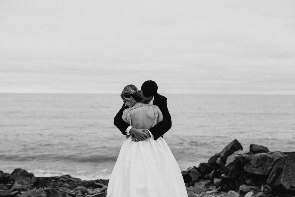Intimate north shore wedding photographed by Duluth photographer Britt DeZeeuw