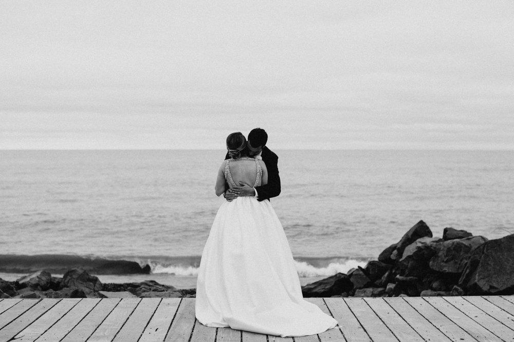 Destination north shore wedding in Duluth Minnesota
