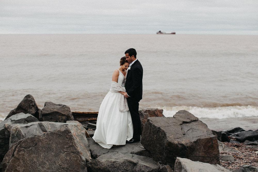 North shore Duluth, MN wedding photographed by Britt DeZeeuw