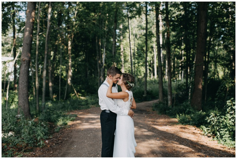 Romantic and relaxed lake cabin wedding in Brainerd Minnesota