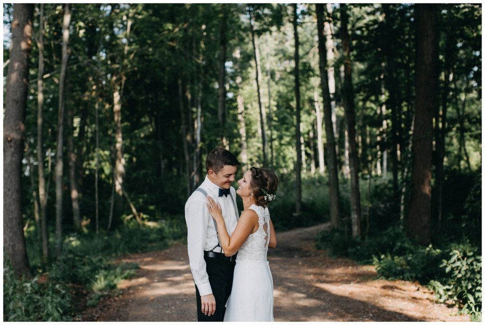 Elegant beach wedding on Lake Edward photographed by Britt DeZeeuw