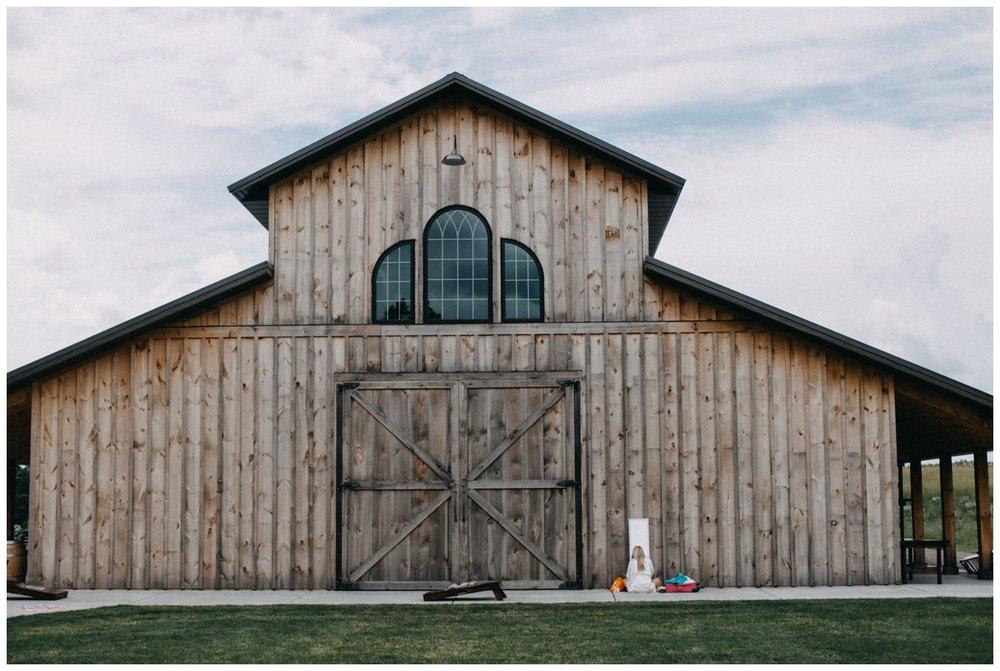 Barn wedding at Creekside Farm in Rush City