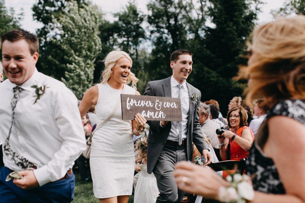 Wedding at Creekside Farm in Rush City, Minnesota photographed by Britt DeZeeuw