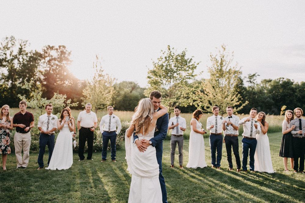 Sparkler wedding dance at Creekside Farm in Rush City, Minnesota photographed by Britt DeZeeuw