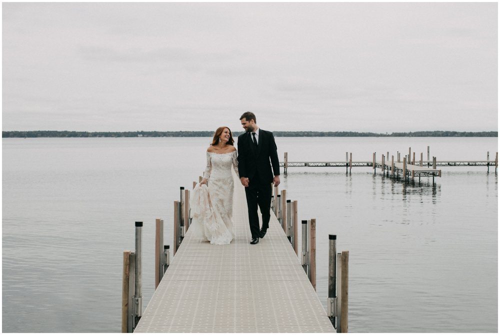 Gull Lake cabin wedding by Brainerd photographer Britt DeZeeuw