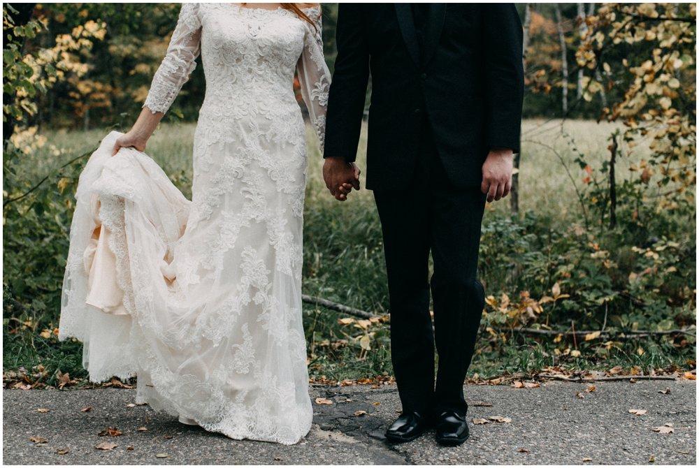 September wedding in Minnesota at Gull Lake cabin wedding