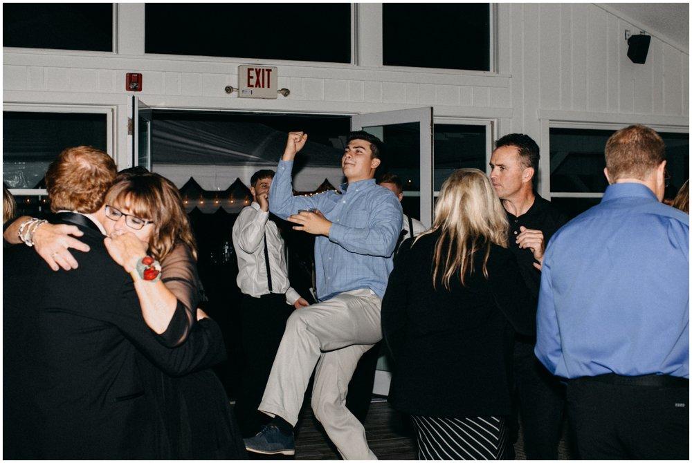 reception300.jpg