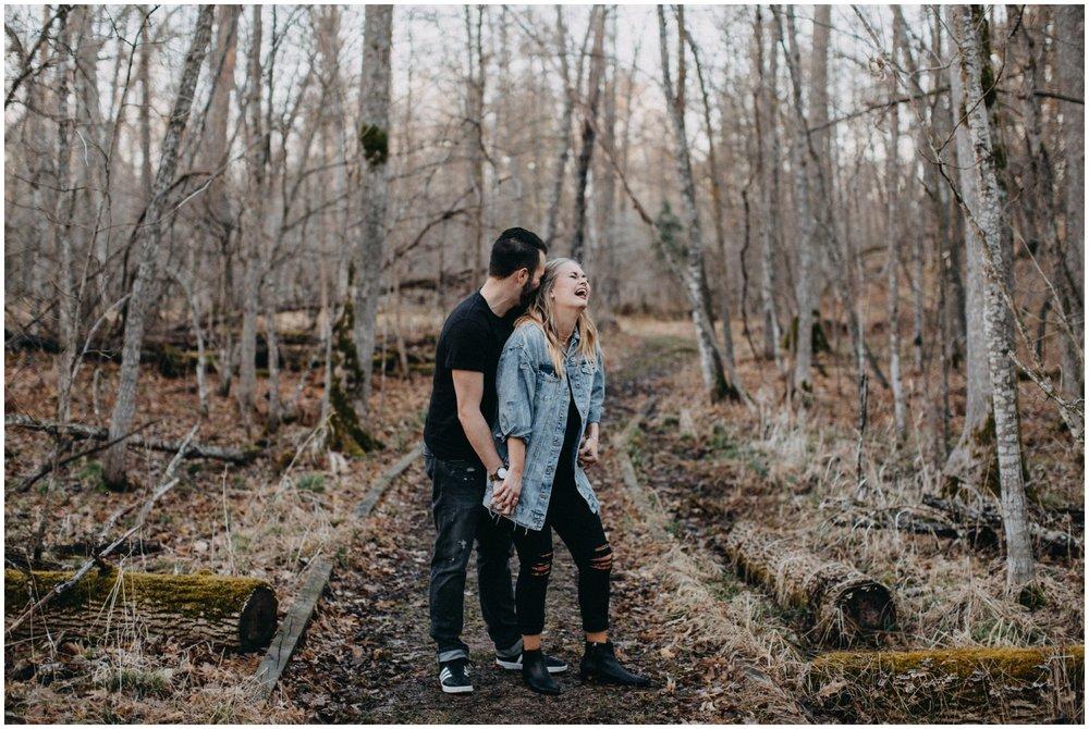 Engagement session in the woods by Brainerd photographer Britt DeZeeuw