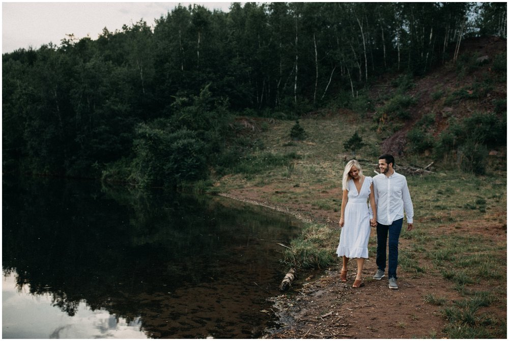 Unposed and natural photography by Brainerd Minnesota wedding and engagement photographer Britt DeZeeuw