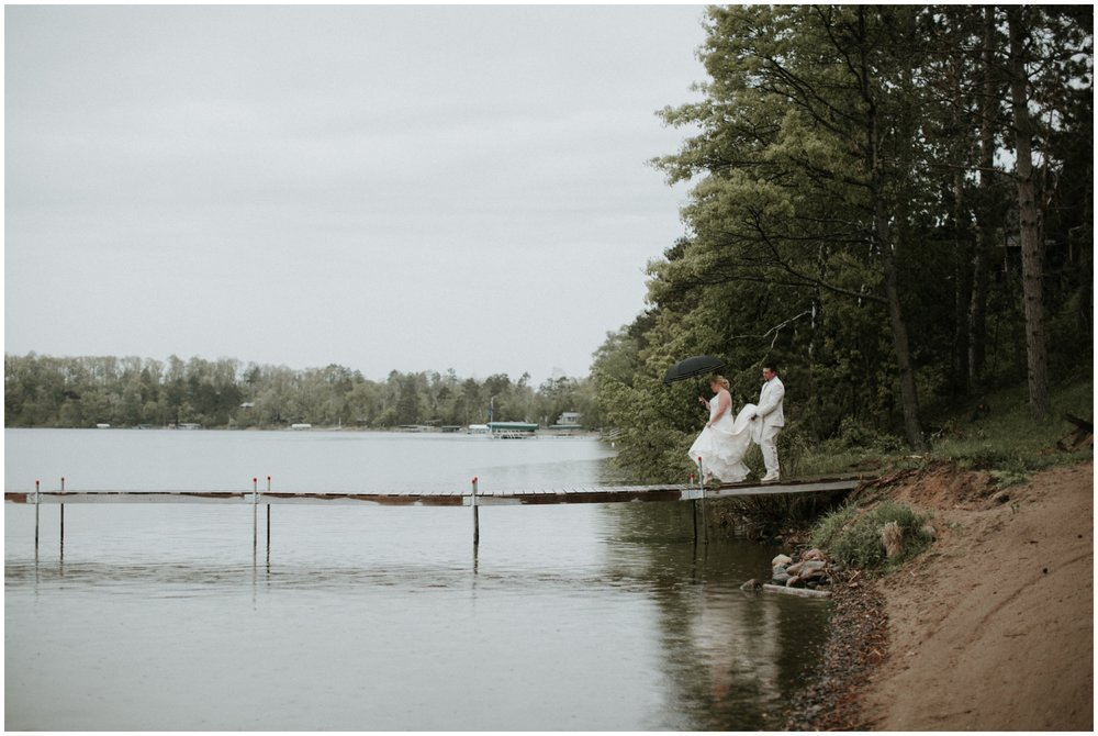 Rainy lakeside wedding  on Gull lake in Brainerd Minnesota