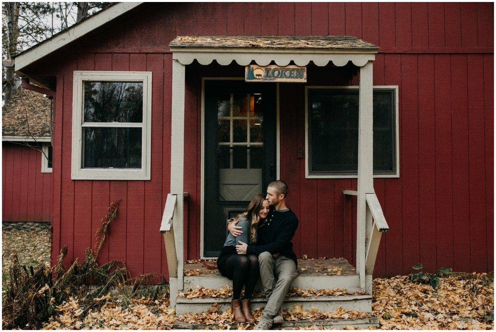 Northern Minnesota cozy cabin on the lake engagement by Britt DeZeeuw