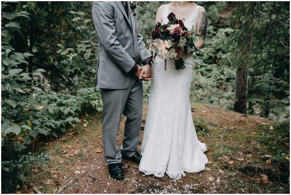 Duluth wedding ceremony in the woods photographed by Britt DeZeeuw
