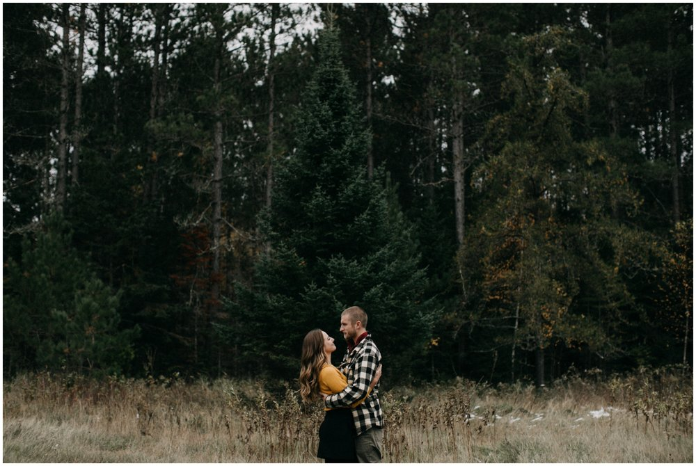 Fall engagement session up north in Minnesota by Britt DeZeeuw