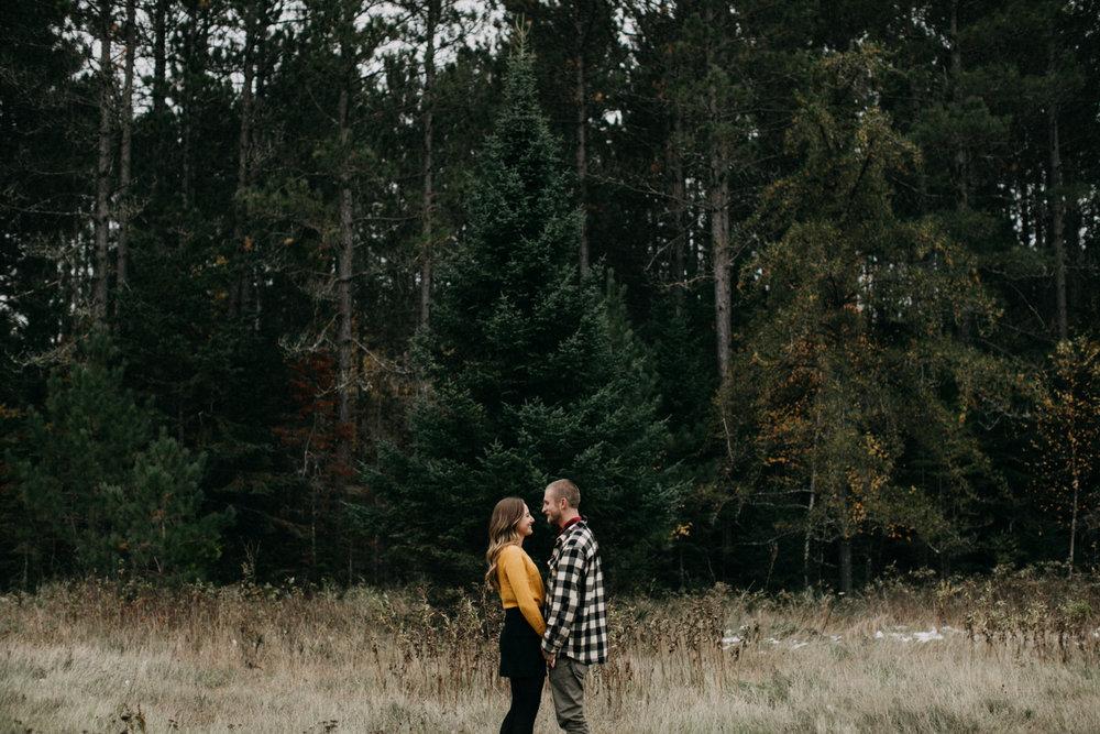 Fall engagement session in northern Minnesota by Britt DeZeeuw