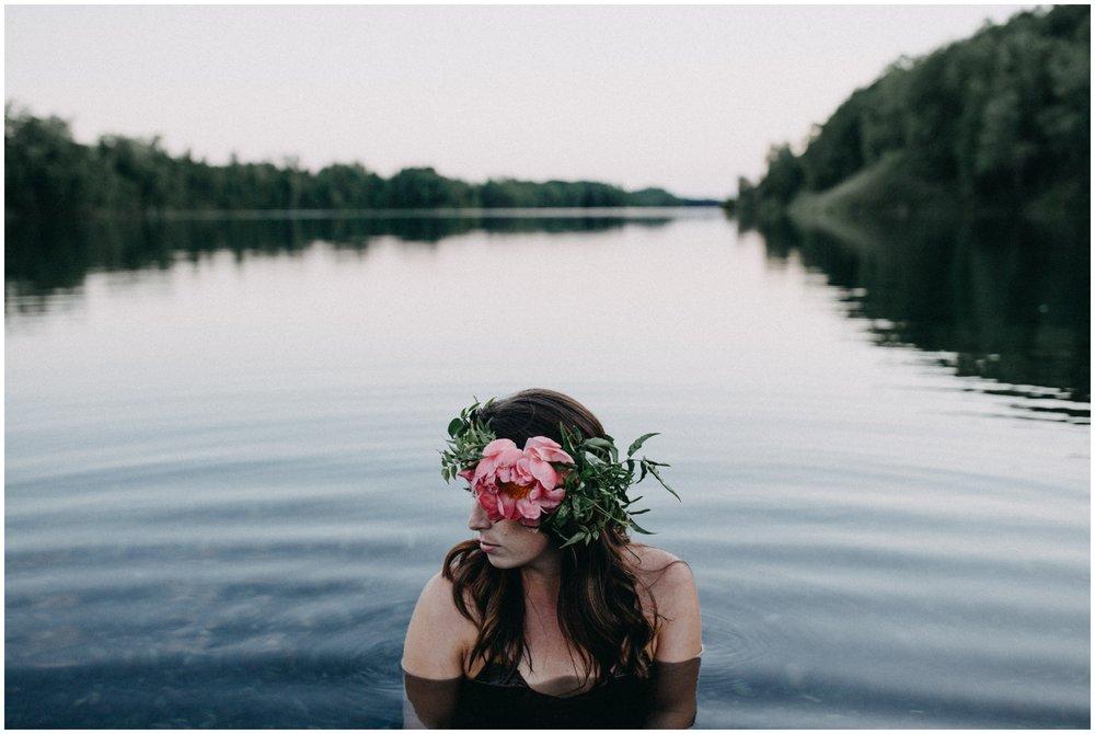 Organic inspired fine art portrait session by Brainerd MN photographer Britt DeZeeuw
