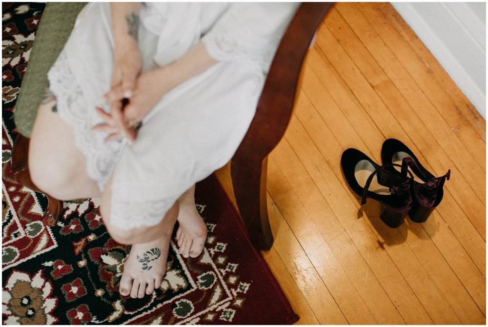 Bride getting ready for wedding day at airbnb in Duluth MN