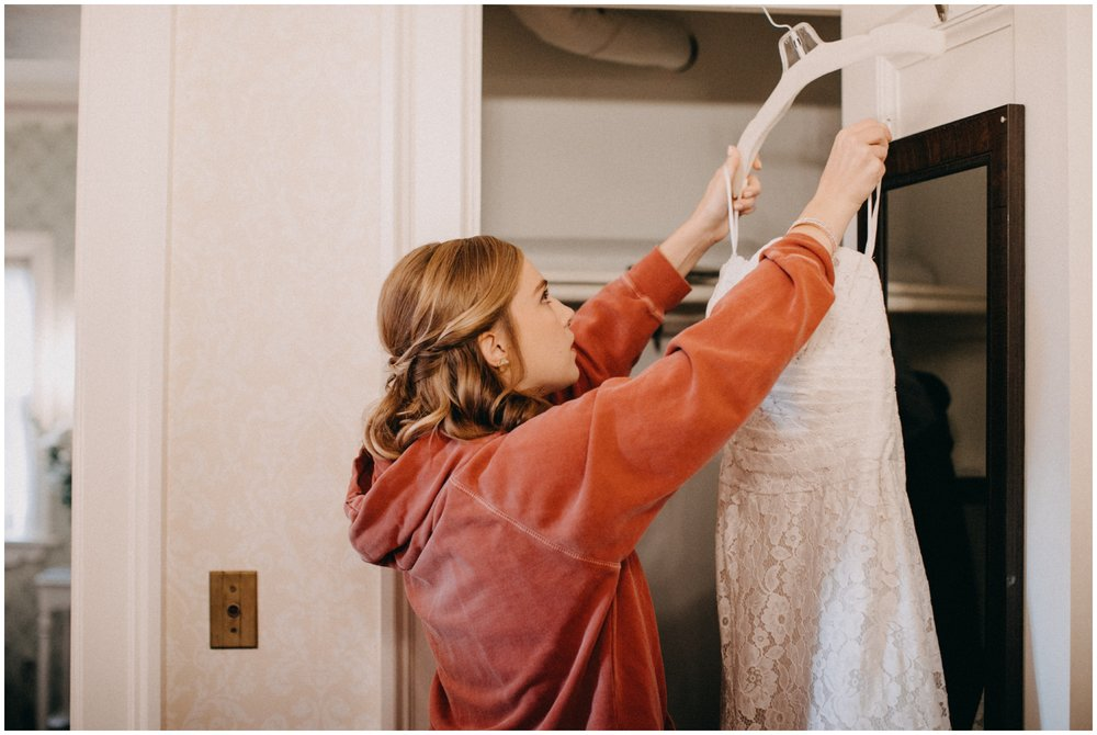 Bride getting ready for wedding day at the St Paul College Club