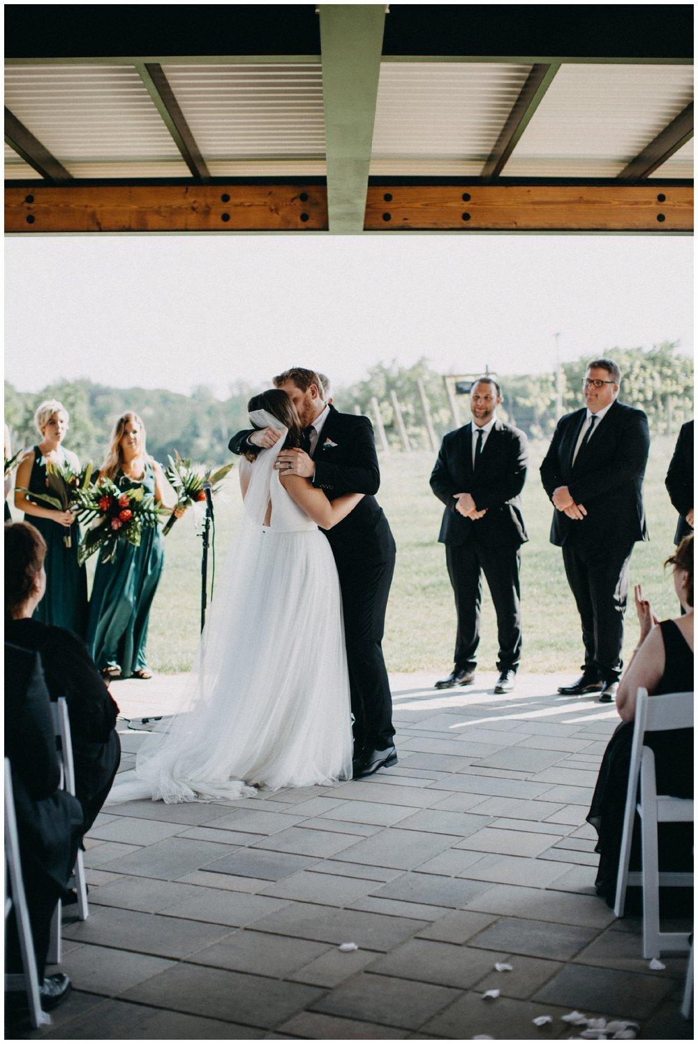 vineyard-wedding-minnesota_0005.jpg