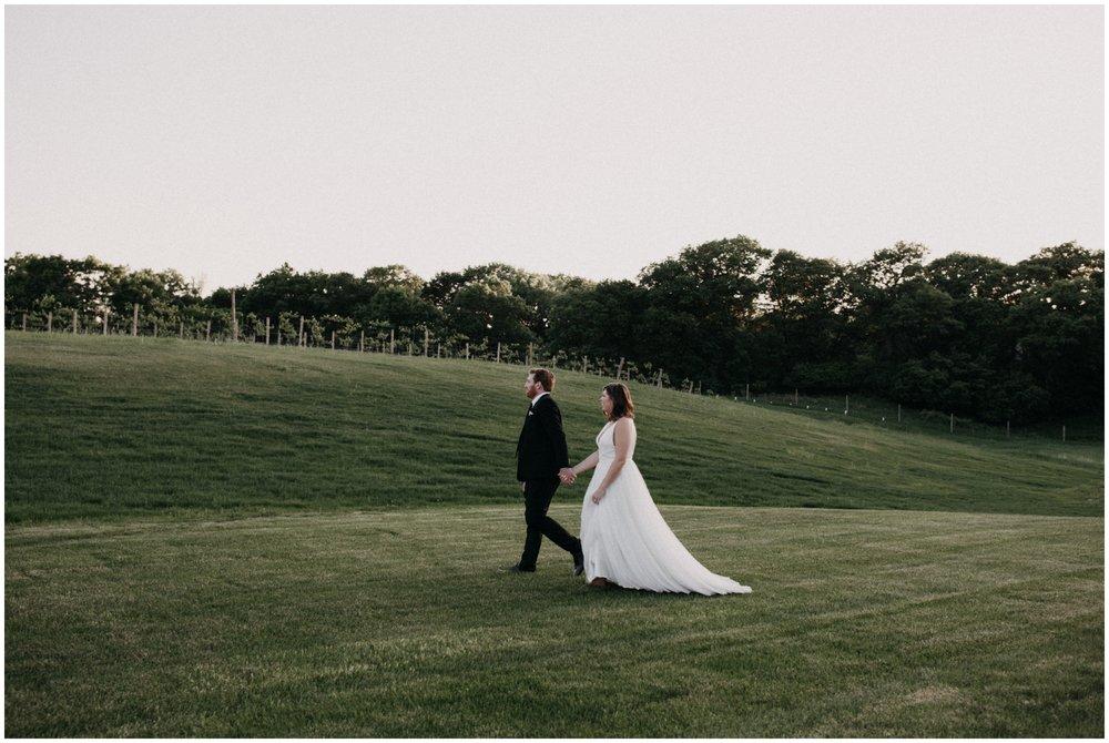 vineyard-wedding-minnesota_0010.jpg