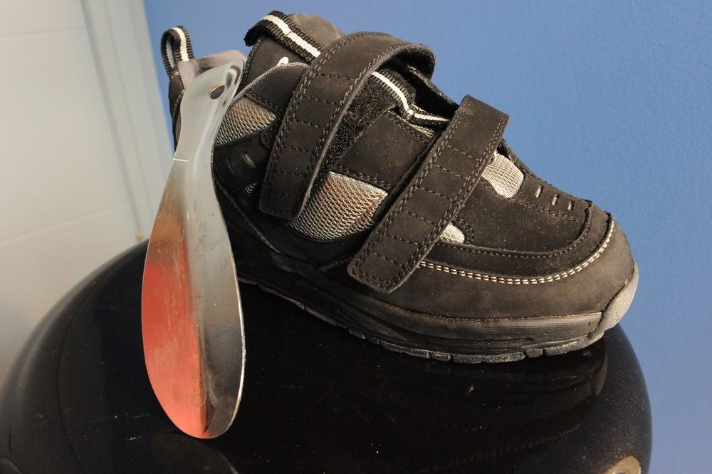 Short shoe horn