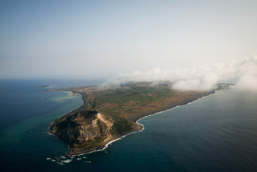 iwo_island.jpg