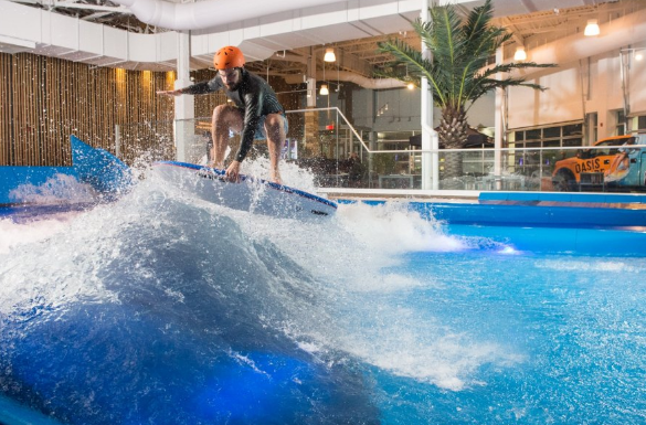 Surfing in a shopping mall… Oasis Surf in Montreal
