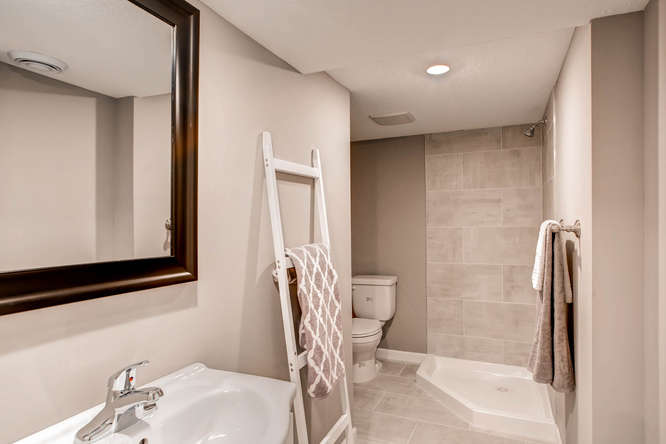 5756 Upton Ave S Minneapolis-small-025-21-Lower Level Bathroom-666x445-72dpi.jpg