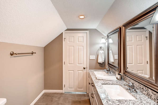 5756 Upton Ave S Minneapolis-small-021-27-2nd Floor Master Bathroom-666x445-72dpi.jpg