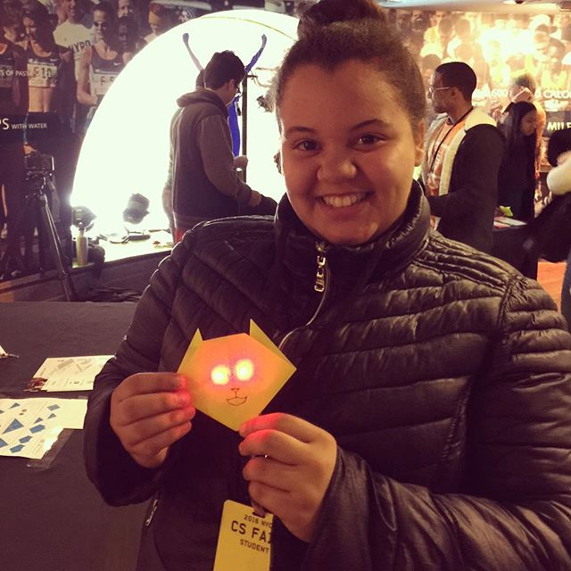 Check out that LED cat! Expert circuitry right there. Great day at #csfairnyc !