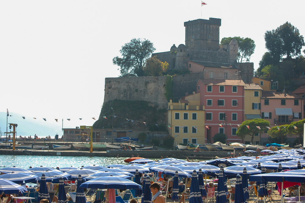 San_Terenzo_Castle.jpg