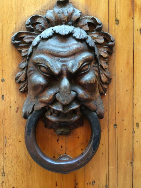 Knocker2.jpg