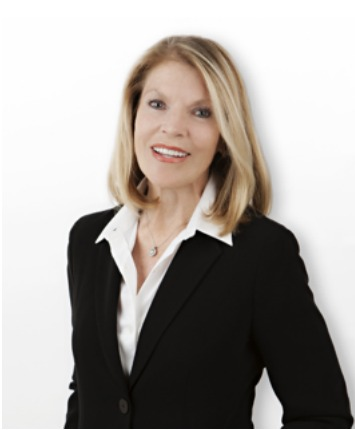 Coastal property expert Joy Curtain has joined Villa Real Estate.