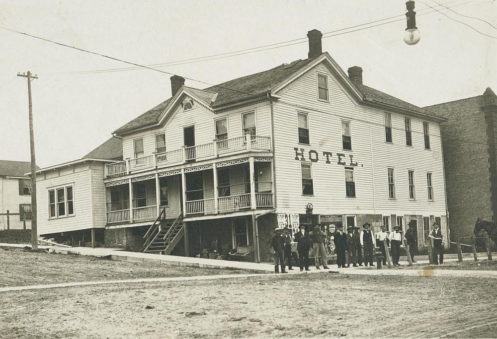 nghotel1915.jpg