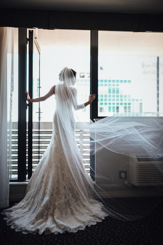 laura-ethan-wedding-bride-getting-ready-158.jpg
