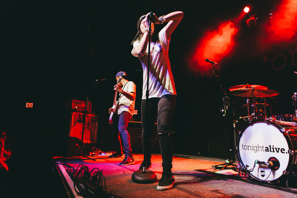 tonight alive-2.jpg