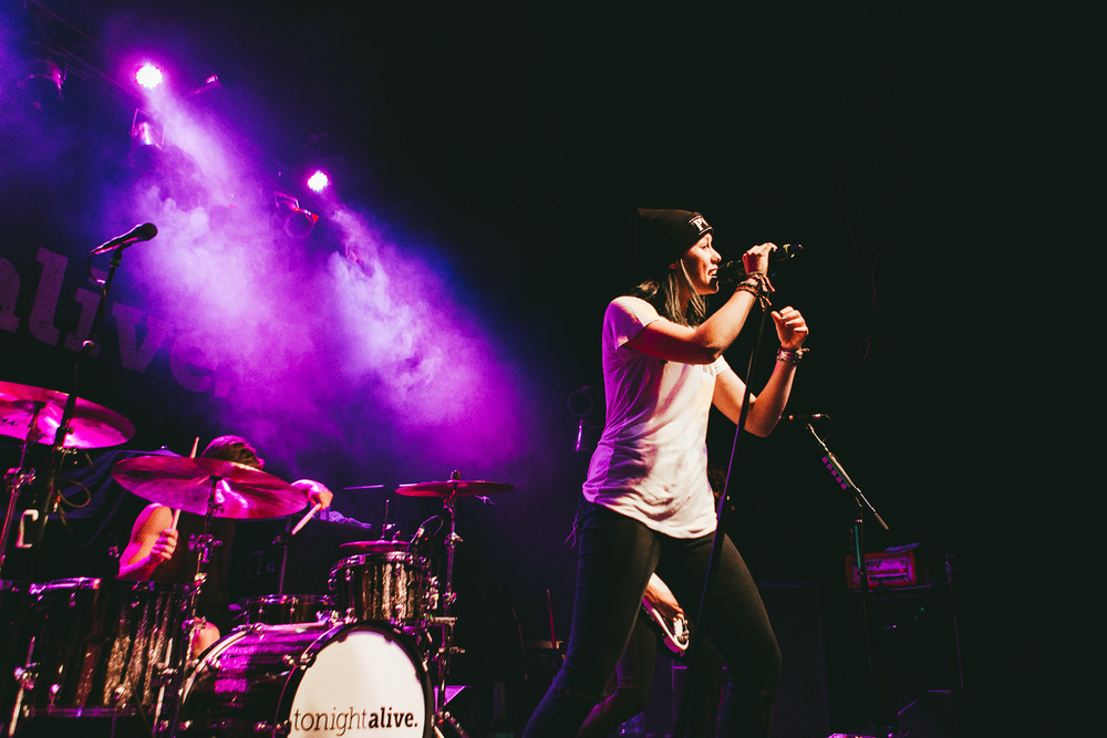 tonight alive-4.jpg