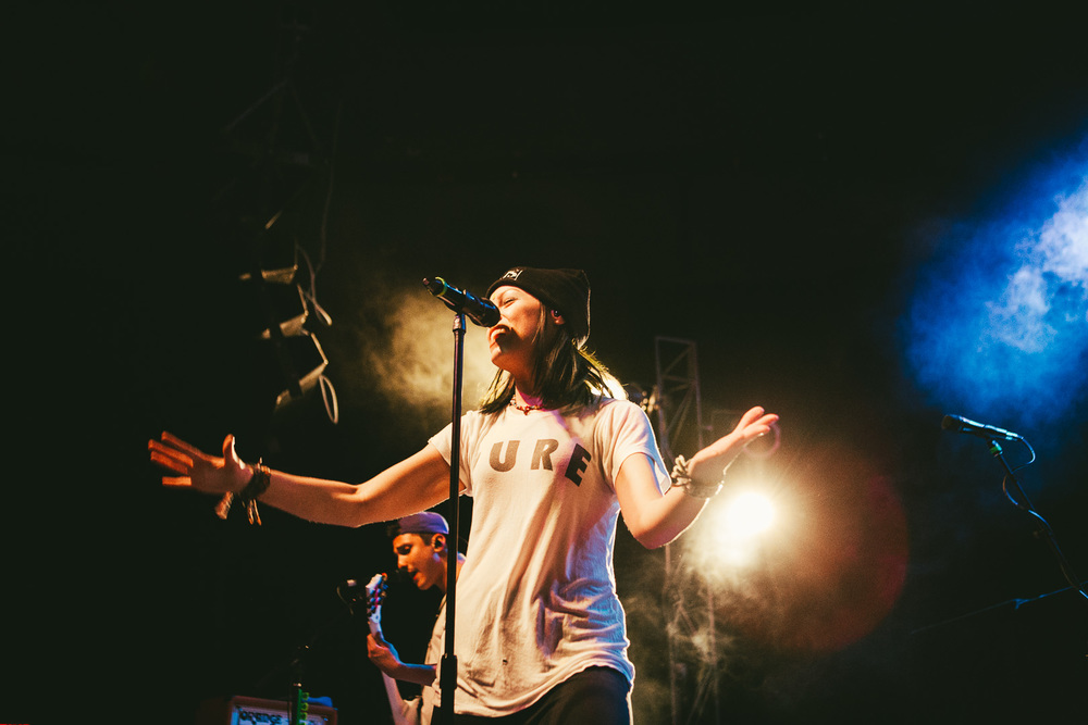 tonight alive-12.jpg