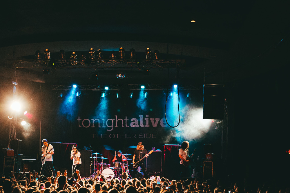 tonight alive-34.jpg