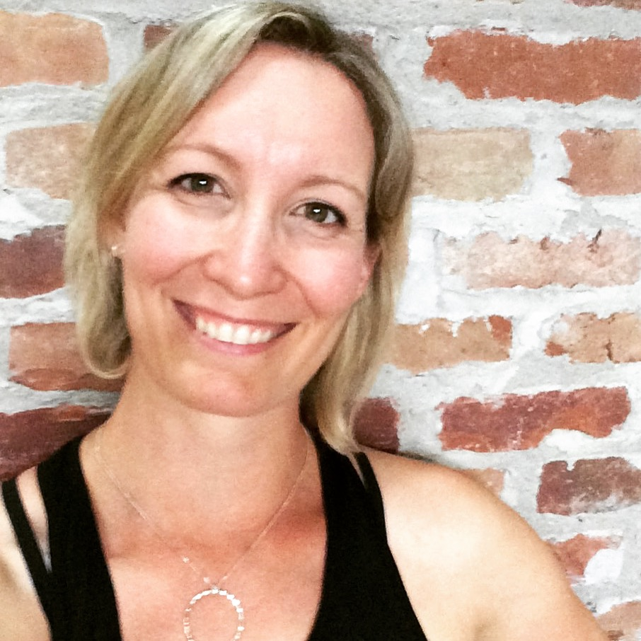 Sarah de Poray is a certified Pranalife yoga instructor, specialized in prenatal and postnatal yoga, and yoga for pelvic health. After spending nearly a decade as a stay-at-home mom, she is so grateful to now be doing this work that she loves so much through yoga to support women as they move through the reproductive journey.